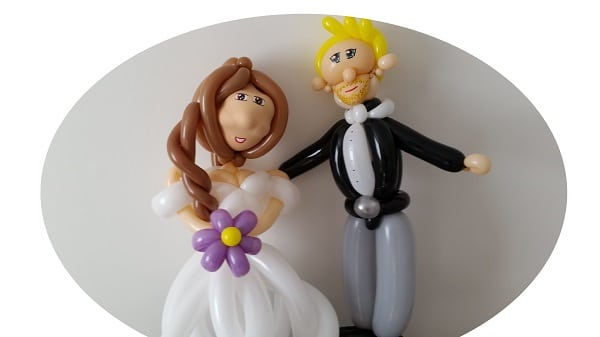 Balloon bride and groom. For weddings in Norfolk.