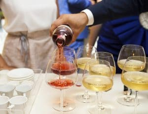 top tips for wine serving at a party
