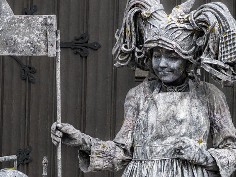 Woman human statue